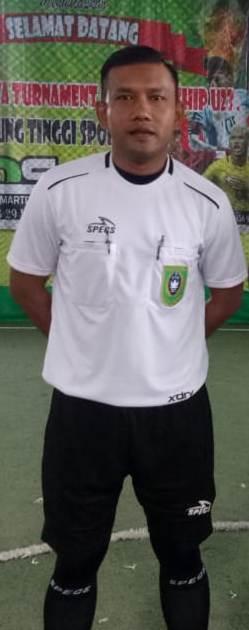 Rudy Juli, dosen PG PAUD, aktip jadi Pelatih Sepak Bola  dan Wasit Futsal